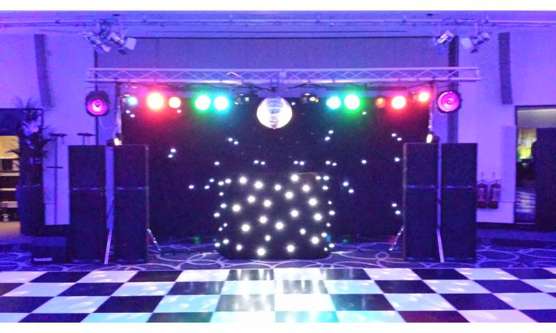 Platinum Rig with mirrorball at Montcalm Hotel 2.jpg