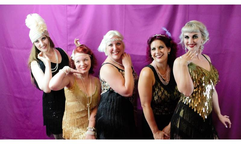 Chicas Locas Burlesque- Charleston flapper girls