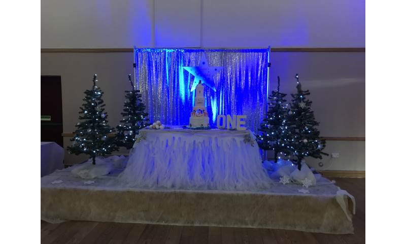 Winter Wonderland Feature Table hire in Hertfordshire, Bedfordshire, Essex & surrounding areas. Perfect for birthdays or corporate events