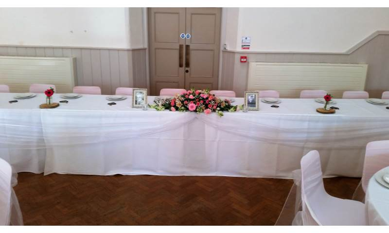 Top table swagging hire in Hertfordshire, Bedfordshire, Essex & surrounding areas.