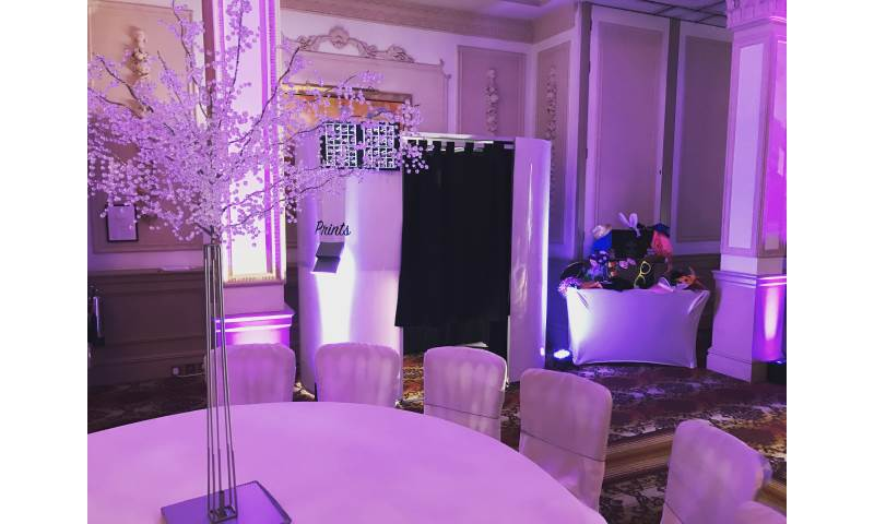 Photo Booth in Hertfordshire, Bedfordshire, Essex & surrounding areas. Perfect for weddings, birthdays & corporate events