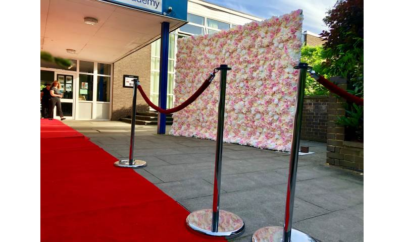 Flower Wall hire in Hertfordshire, Bedfordshire, Essex & surrounding areas. Perfect for weddings, birthdays & baby showers