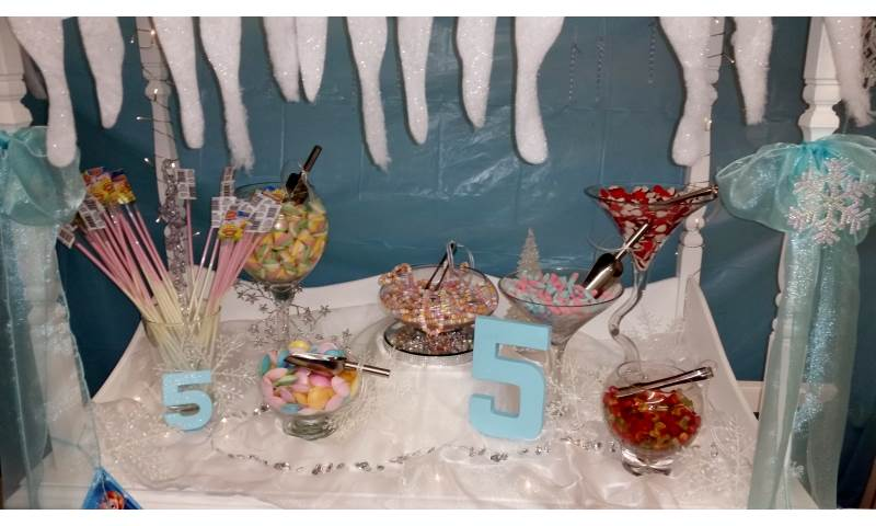Frozen themed Candy Cart hire in Hertfordshire, Bedfordshire, Essex & surrounding areas.