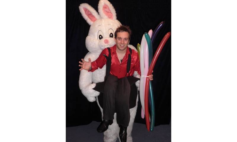 Walkabout Entertainment - the Balloon Rabbit