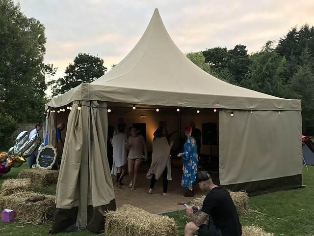 Sqaure tent 1.jpg