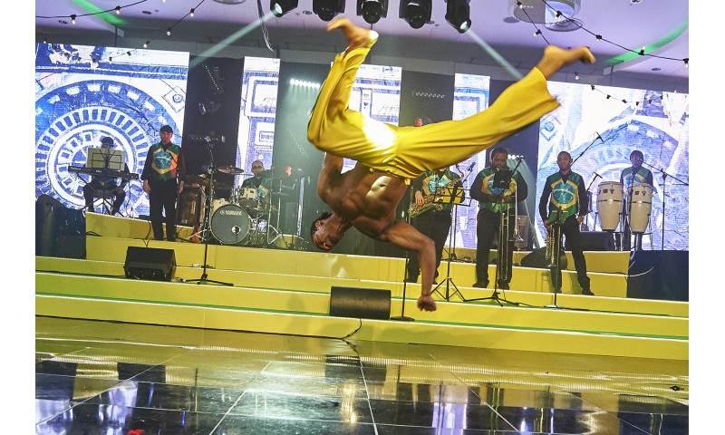 Tropicalia Capoeira Show
