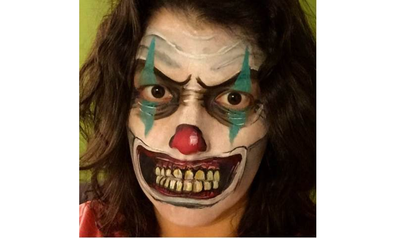 Scary_Clown_Face_Paint.JPG
