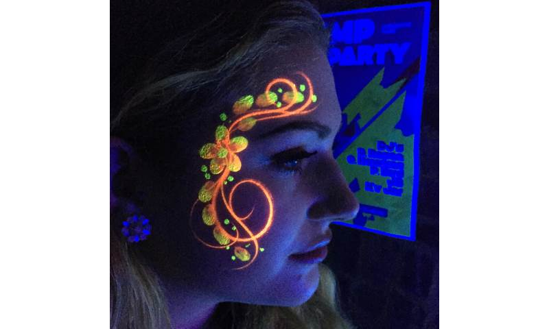 UV_ Flower_Face_Paint.JPG