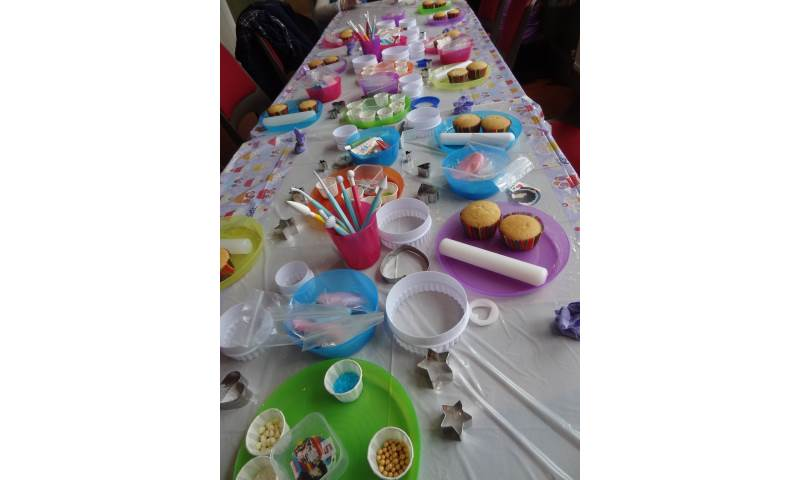 hours of fun childrens party craft activity liverpool Little mix cupcakes (14).JPG