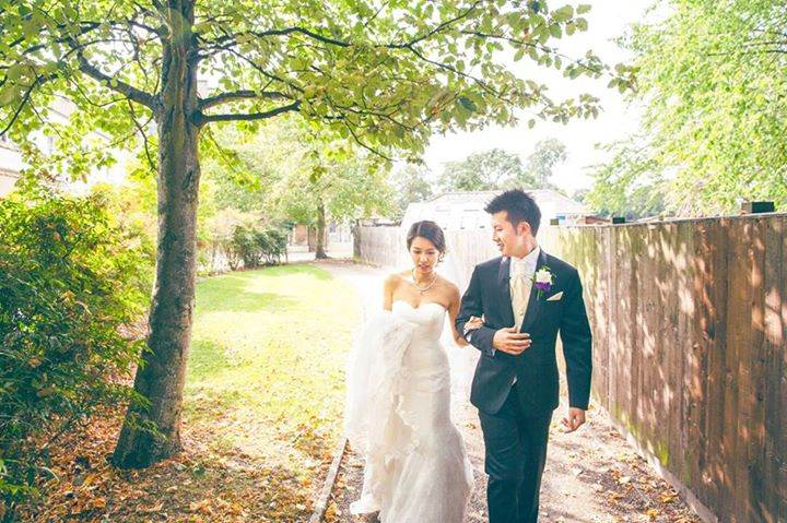Singaporean brideand groom wedding shoot in London Syon House.jpg