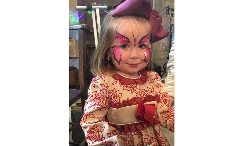 Face painting Guis 5.JPG