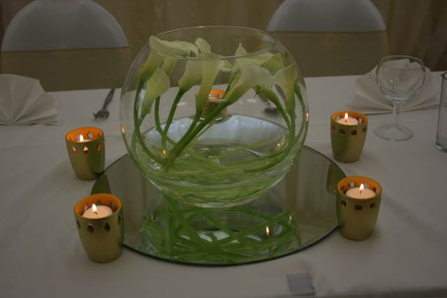 Fish Bowl Vase Centrepiece with Calla Lilies
