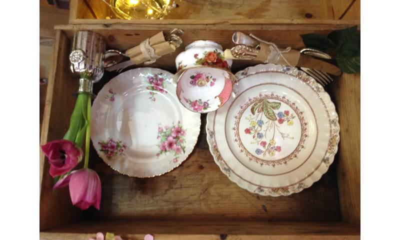 plates crates and tied cutlery CB18.JPG