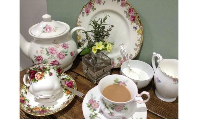 teapot tea in cup jug 18.JPG