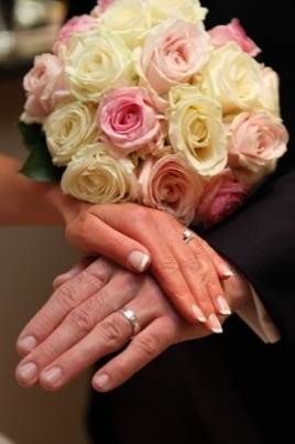 Avalanche & Sweet Avalanche Rose Hand Tied