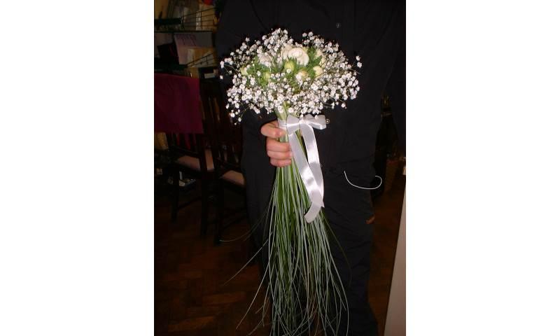 Ranunculus, Gyp & Bear Grass Hand Tied