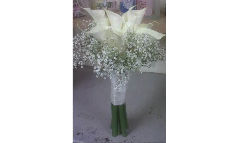 Calla & Gyp Bridesmaid Handtied