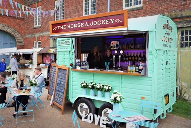 Horsebox Bar.jpg
