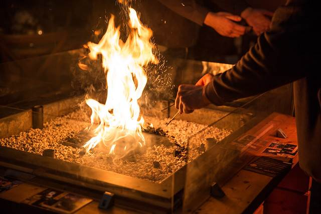 Crackling fire.jpg