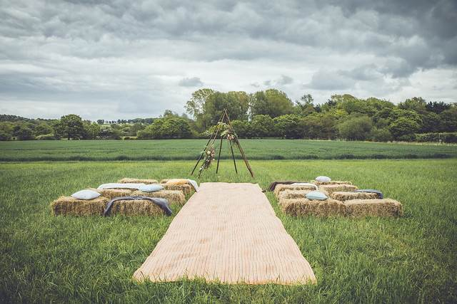 Rustic arch_matted walkway.jpg