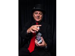 Gazzo Show - Comedy Magician Logo